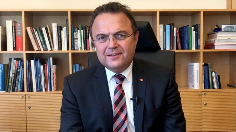Dr. Hans-Peter Friedrich, Kommentar zur Sitzungswoche
