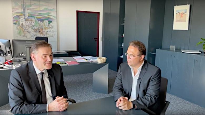 Dr. Hans-Peter Friedrich im Gespräch mit Peter Berek, Landrat des Landkreises Wunsiedel im Fichtelgebirge