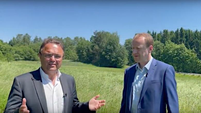 Dr. Hans-Peter Friedrich im Gespräch mit Pavel Klepáček, Zweiter Bürgermeister von Asch