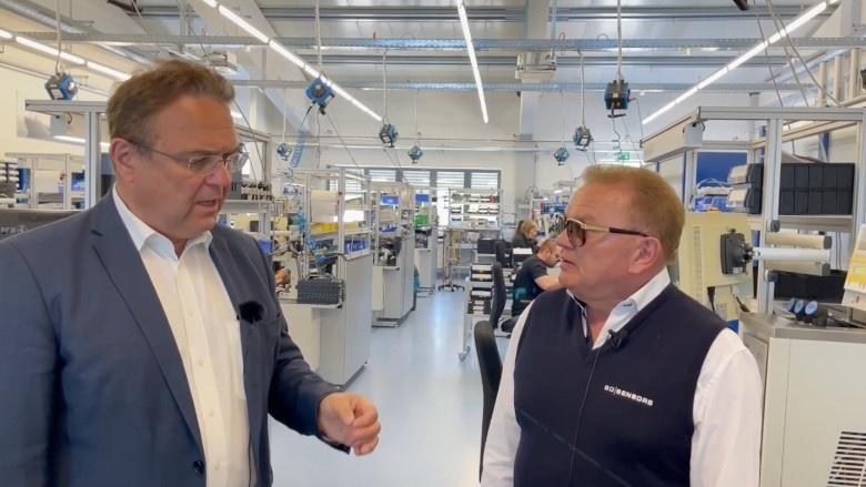 Dr. Hans-Peter Friedrich im Gespräch mit Rainer Denndörfer, CEO BD|SENSORS