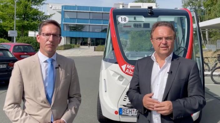 Dr. Hans-Peter Friedrich im Gespräch mit Michael Abraham, Bürgermeister von Rehau