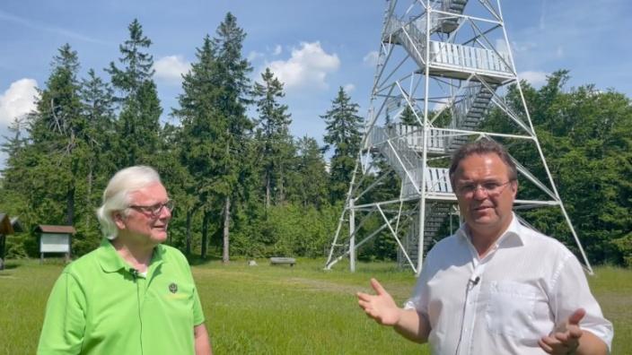 Dr. Hans-Peter Friedrich im Gespräch mit Dieter Frank, Hauptvorsitzender des Frankenwaldvereins
