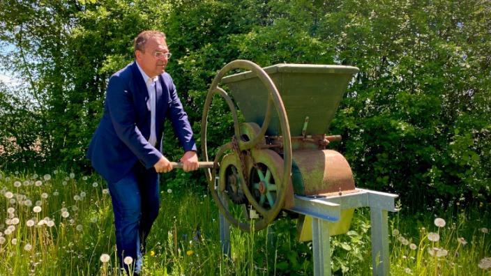 Dr. Hans-Peter Friedrich, MdB am Volkskundlichen Gerätemuseum in Bergnersreuth
