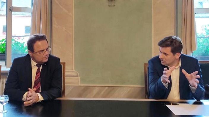 Dr. Hans-Peter Friedrich und der Bürgermeister von Wunsiedel, Nicolas Lahovnik