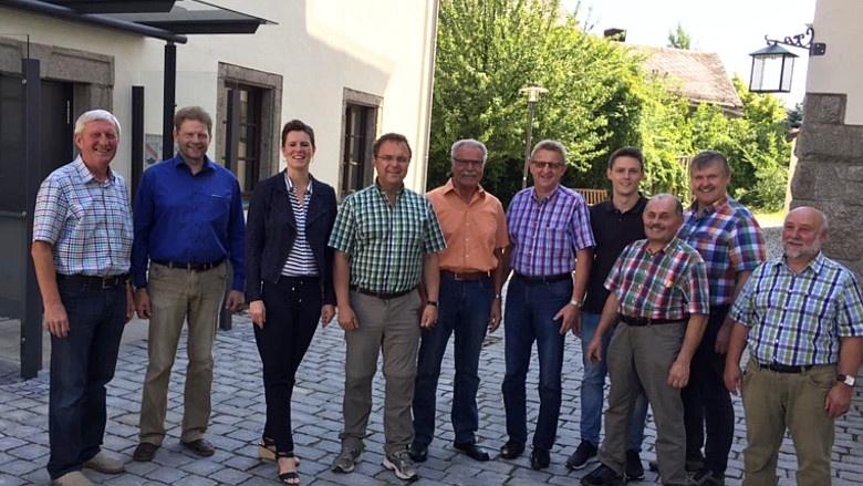 WK-Wanderung Tag 4 - Berg, pol. Gespräche im Rathaus